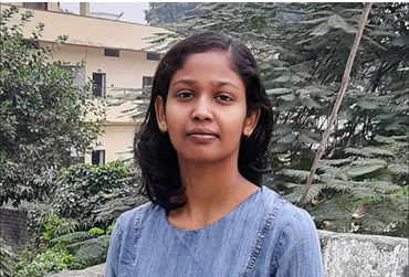 Deepali gains a place at JNU to study languages